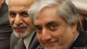 بروز اختلاف جدید مبنی بر توزیع شناس نامه های برقی میان عبدالله و غنی