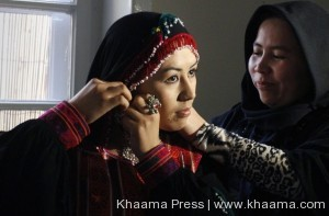 https://www.khaama.com/wp-content/uploads/2013/02/Afghan-models-stage-rare-fashion-show-to-empower-women.jpg