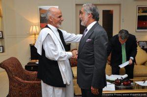 Obama calls Afghan candidates