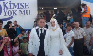 Turkish couple feed Syrian refugees
