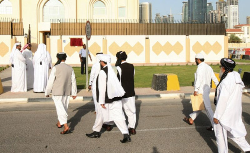 Thousands cross border on second day